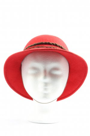 Bowler Hat red-bronze-colored casual look