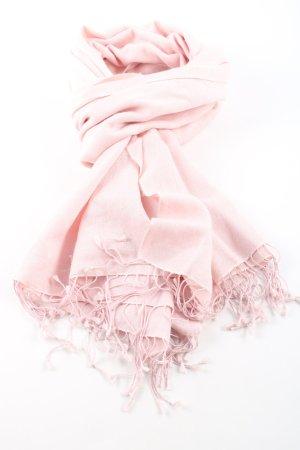 Pashmina pink casual look