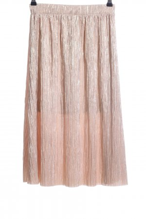 Pleated Skirt nude casual look