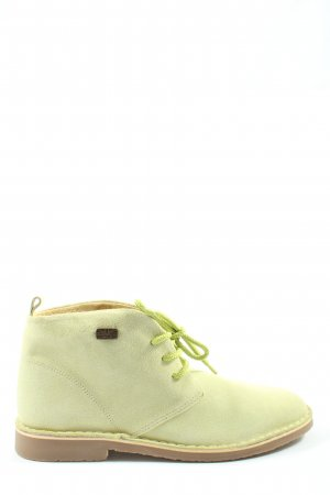 Submarine Lace Shoes green casual look