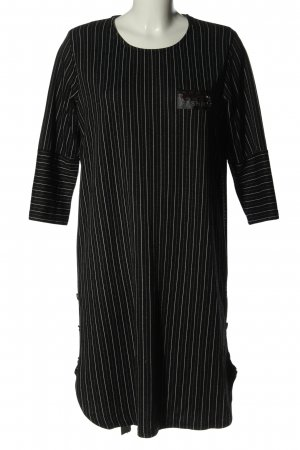 Cocoon T-shirt jurk zwart-wit gestreept patroon casual uitstraling