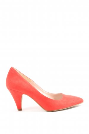 Paola Diaz Pointed Toe Pumps red casual look