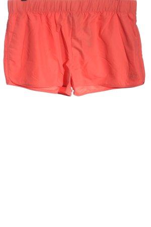 Hot Tuna Pantalón corto deportivo rojo look casual