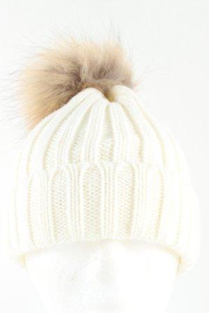 Sombrero de punto blanco punto trenzado look casual