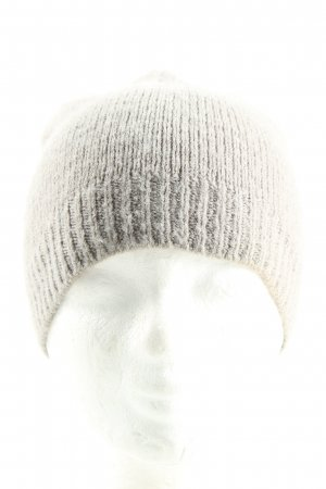 Sombrero de punto gris claro look casual