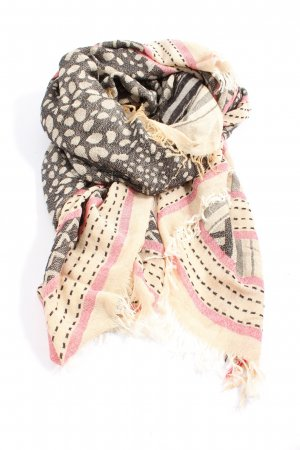 Traditional Scarf graphic pattern casual look