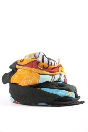 Folkloristische sjaal grafisch patroon straat-mode uitstraling