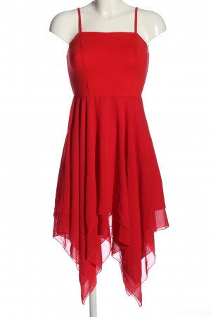 Jurk met langere achterkant rood elegant