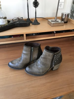 Bullboxer Ankle Boots olive green
