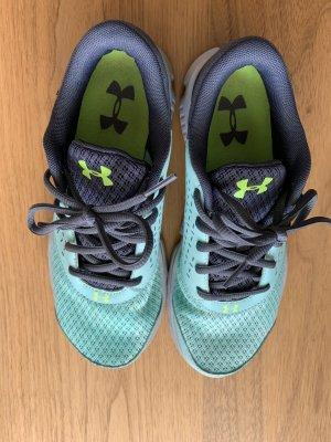 Under Armour Sneaker / Laufschuhe