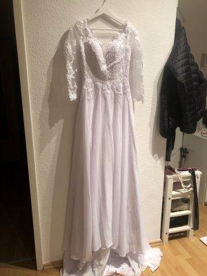 ungetragendes Hochzeitskleid