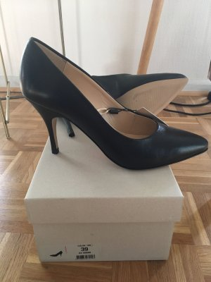 Bianco Pointed Toe Pumps black leather