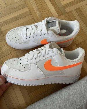 Ungetragene Nike Sneaker