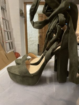 Sandalo con cinturino verde oliva