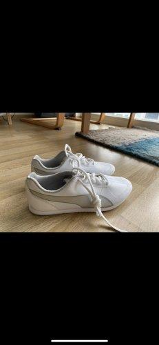 Ungetragene Puma Sneakers