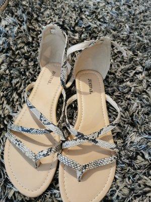 ungetragene Sandaletten zu verkaufen