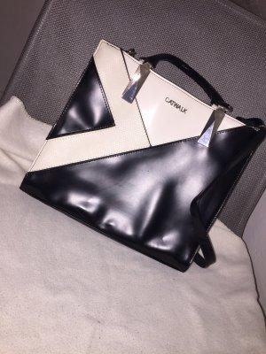 Ungetragene Tasche
