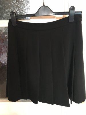 Ungetragener schwarzer Esprit Faltenrock