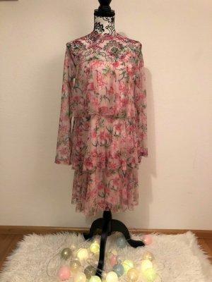 ungetragenes Kleid mit Blumenmuster