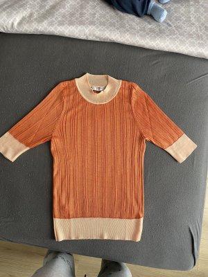 Ungetragenes Shirt