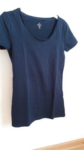 ungetragenes T-Shirt