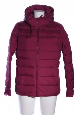 Uniqlo Daunenjacke rot Steppmuster Casual-Look