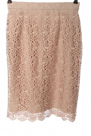 Uniqlo Lace Skirt nude casual look