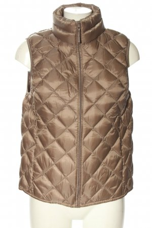 Uniqlo Quilted Gilet brown quilting pattern casual look