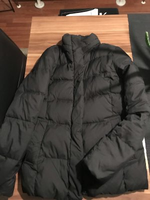 Uniqlo Winterjacke schwarz