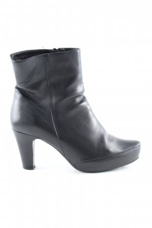 Unisa Booties black business style
