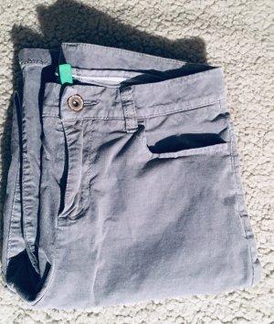 United Colors of Benetton Pantalon en velours côtelé gris clair