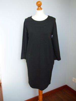 Universelles schwarzes Winterkleid von SET