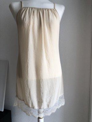 Unterkleid mit Spitze