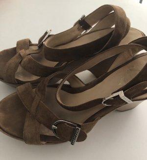 Unützer Sandaletten neue Sohle und Absätze