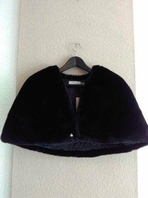 Cape noir polyester
