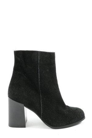 Urban Outfitters Reißverschluss-Stiefeletten schwarz Casual-Look