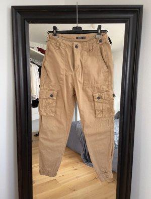 Bershka Pantalone cargo beige-color cammello
