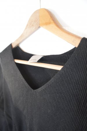 V- Ausschnitt dünner Pullover