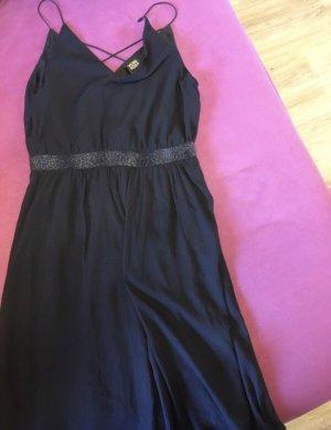 V kleid