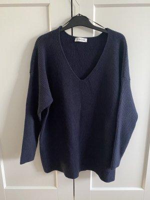 V-neck Pullover Edited