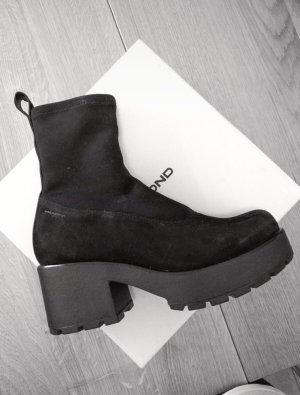 Vagabond Platform Boots black