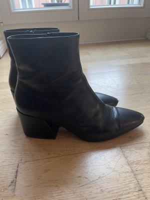 Vagabond Olivia Ankle Boots