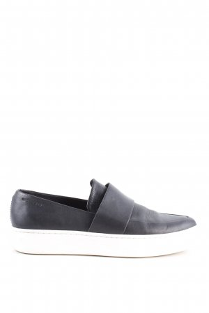 Vagabond Slip-on Shoes black casual look