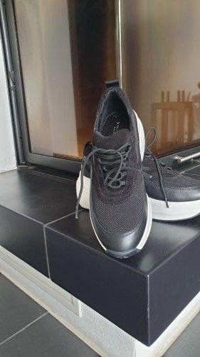 Vagabond Zapatillas con tacón negro