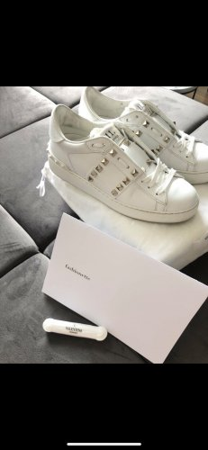 Valentino Lace-Up Sneaker white