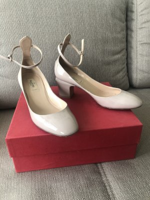 Valentino Garavani Tan-Go Lackleder Pumps