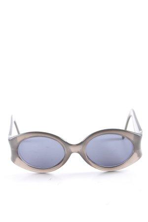Valentino Gafas de sol ovaladas gris claro look casual