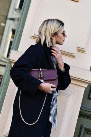 Valentino Rockstud Glam Lock Medium Tasche mit Rechnung