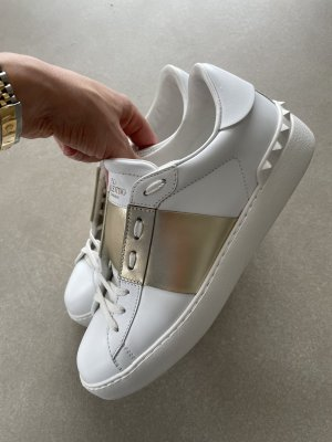 Valentino Rockstud Sneaker 39