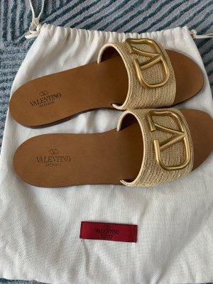 Valentino Garavani Flip-Flop Sandals cream-nude